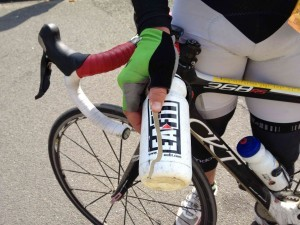 bidon cassé par les pavés de paris Roubaix