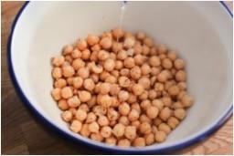 protéines véganes, nicolas elzeard, cycliste, alimentation végan, spiruline, végétarien